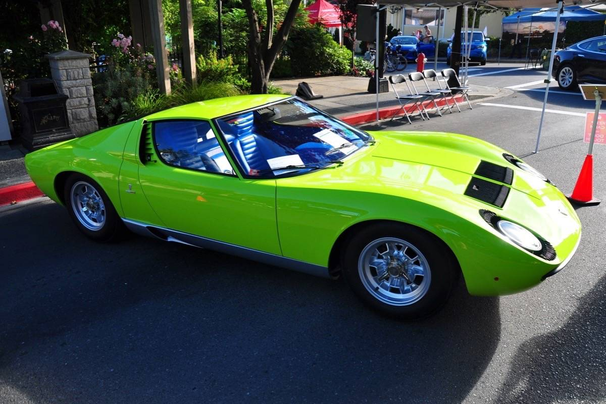 Oak Bay Classic Car Show