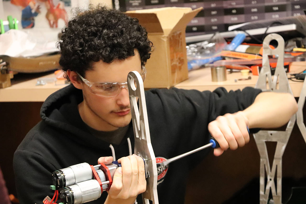 Esquimalt High robotics team heads to international competition