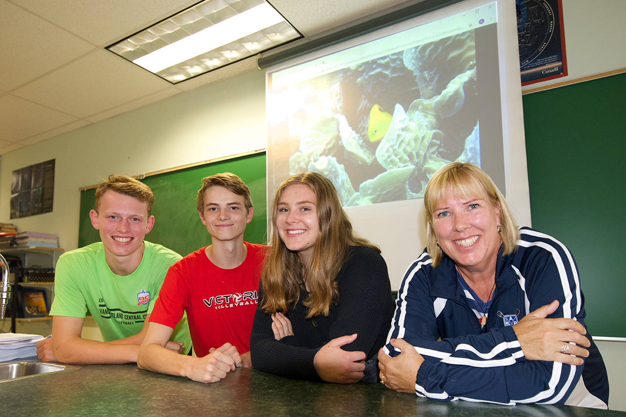 Greater Victoria high school students head to Honduran jungles, reefs for science