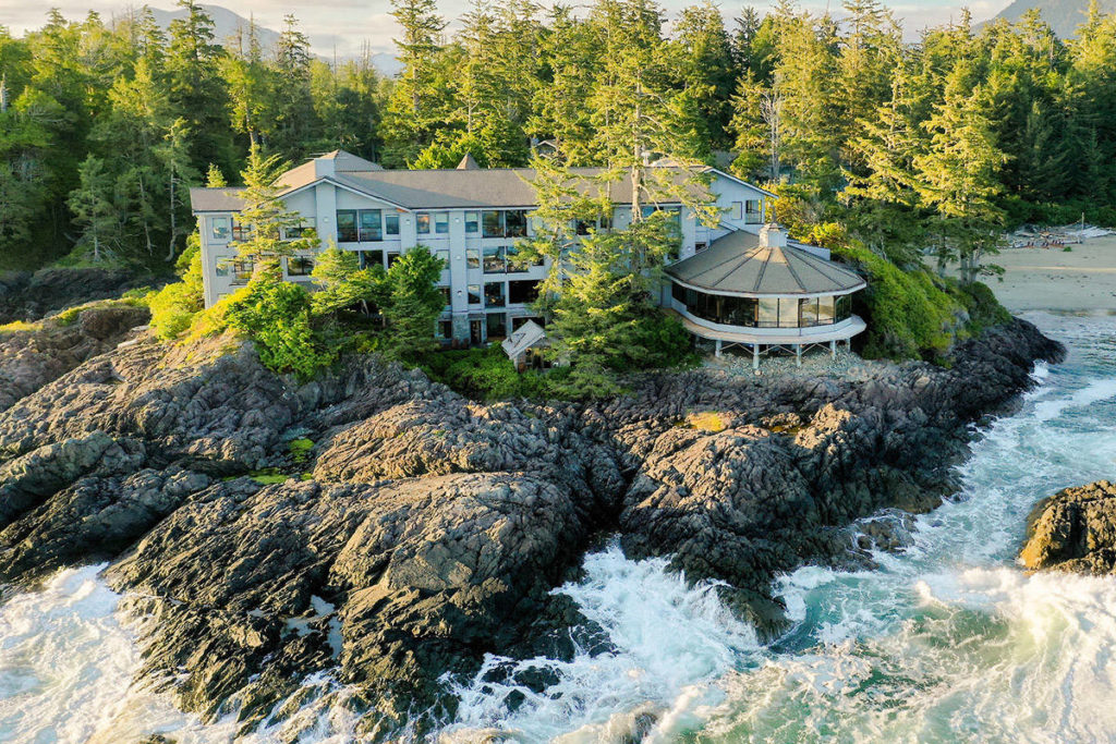 Four of top 25 hotels in Canada on Vancouver Island - Oak Bay News