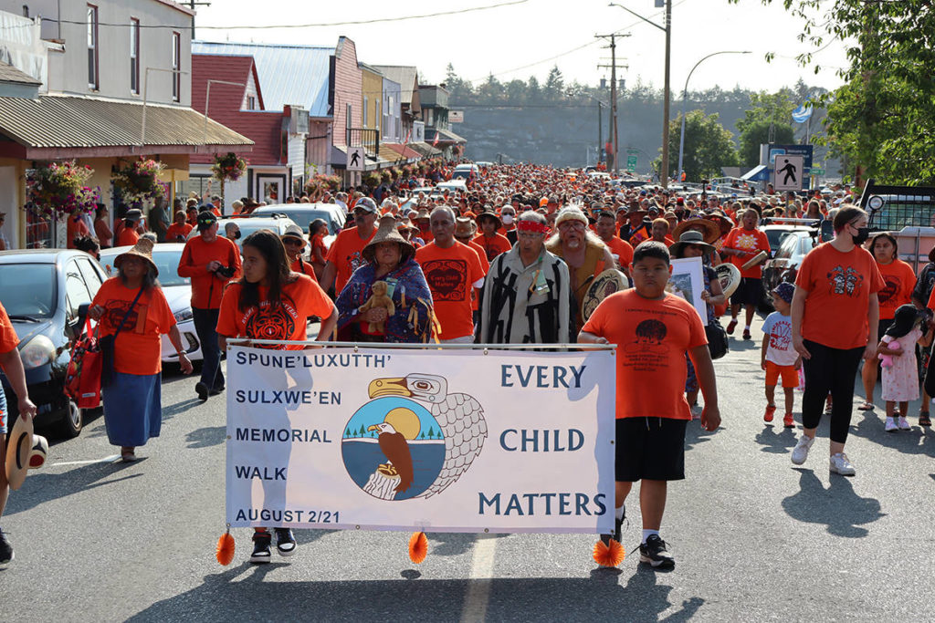 More than 1,500 march in support of Penelakut First Nation after unmarked graves found - Oak Bay News