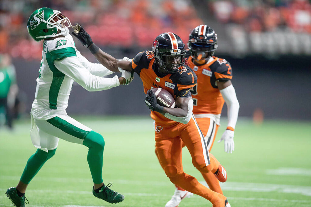 Last-minute Fajardo TD gives Roughriders wild 31-24 victory over B.C. Lions - Oak Bay News